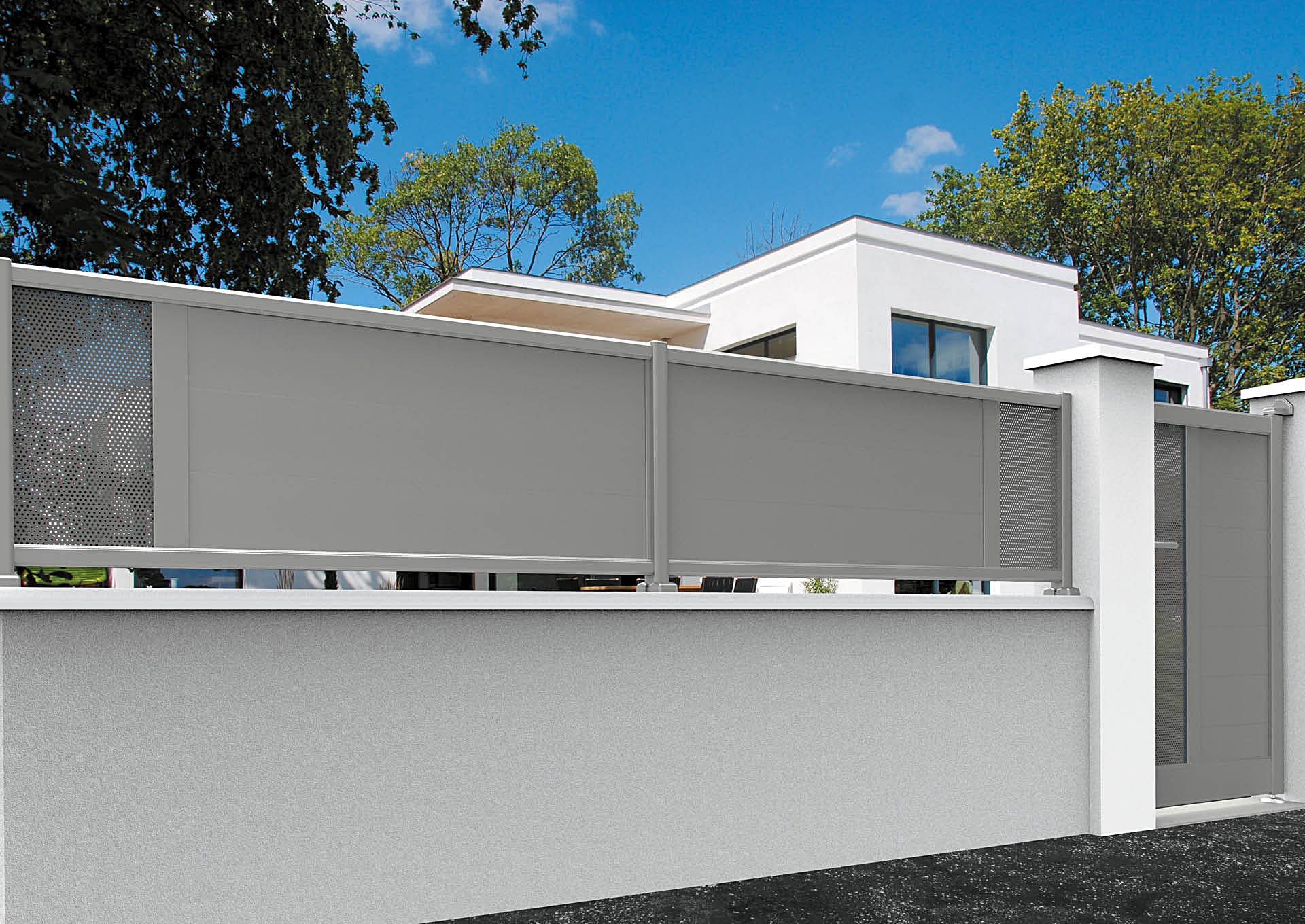 Clôture en aluminium 9013_CL_P2TP Lames horizontales 200mm + décor tôle perforée