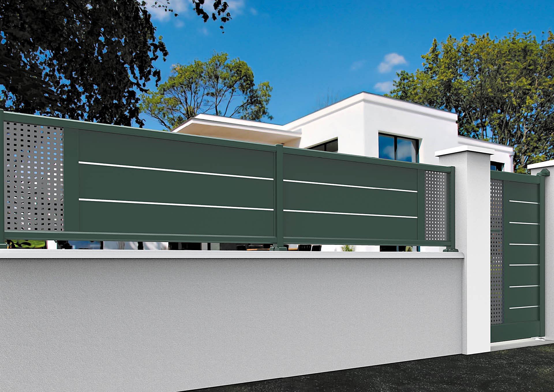 Clôtures aluminium lames horizontales 200 mm et liserés + décor style inox
