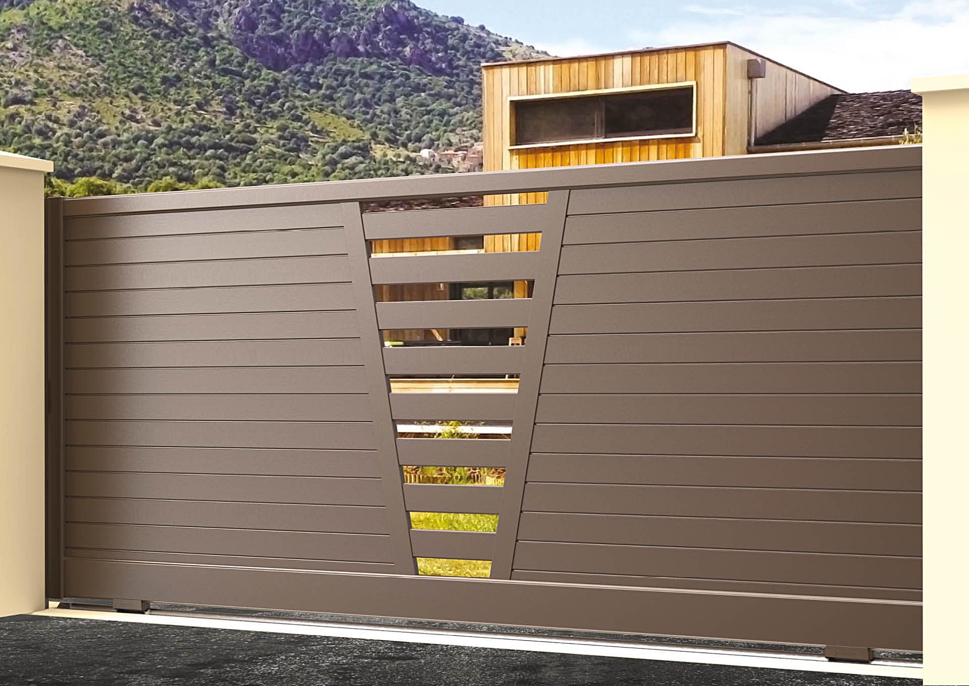 Portail coulissant aluminium Lames horizontales 100 mm + décor lames espacées