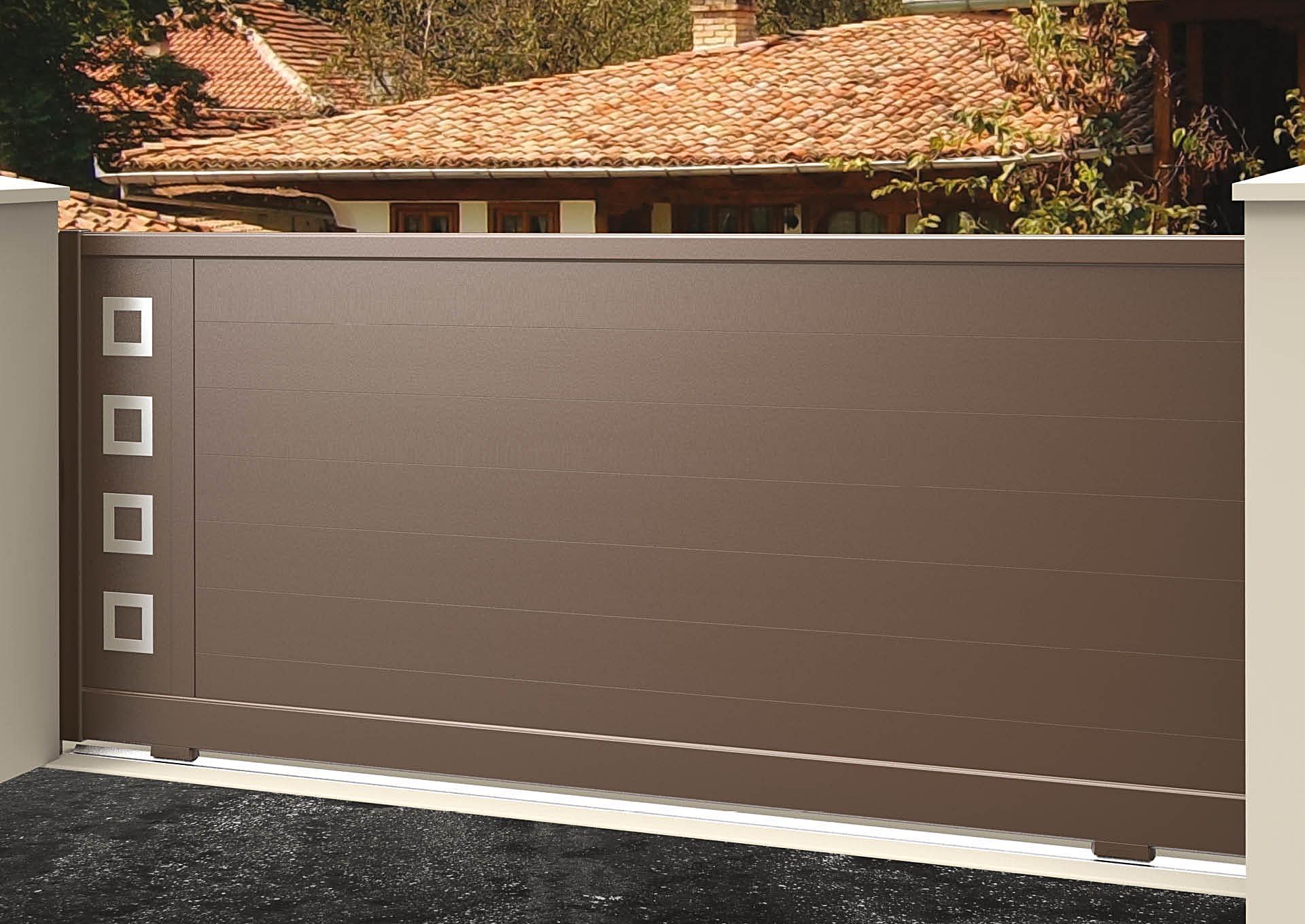 Portail coulissant aluminium Lames horizontales 200 mm + décor alu brossé Carrés creux