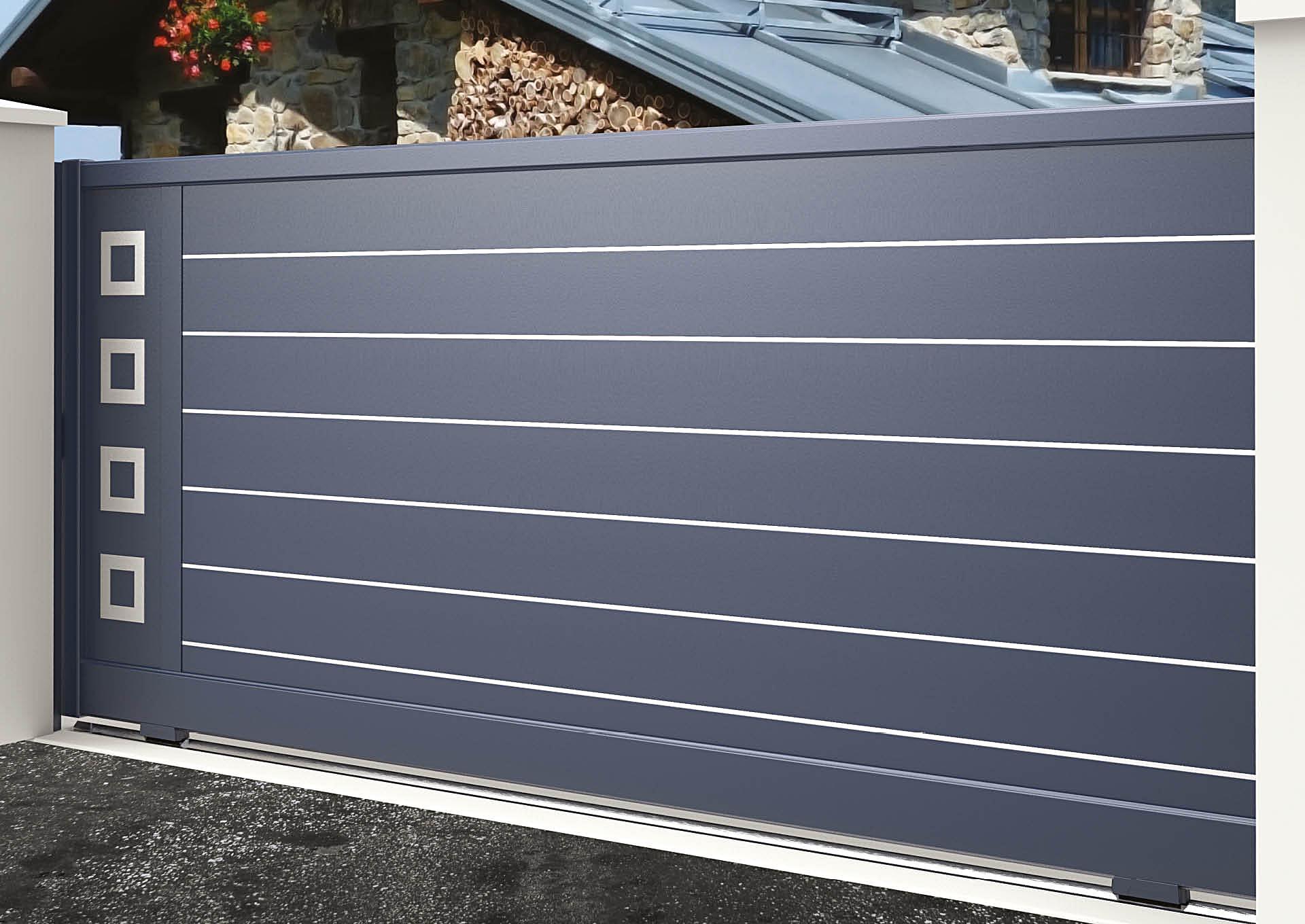 Portail coulissant 9109_C1_S2DA Lames horizontales 200mm + liserés avec décor alu brossé Carrés
