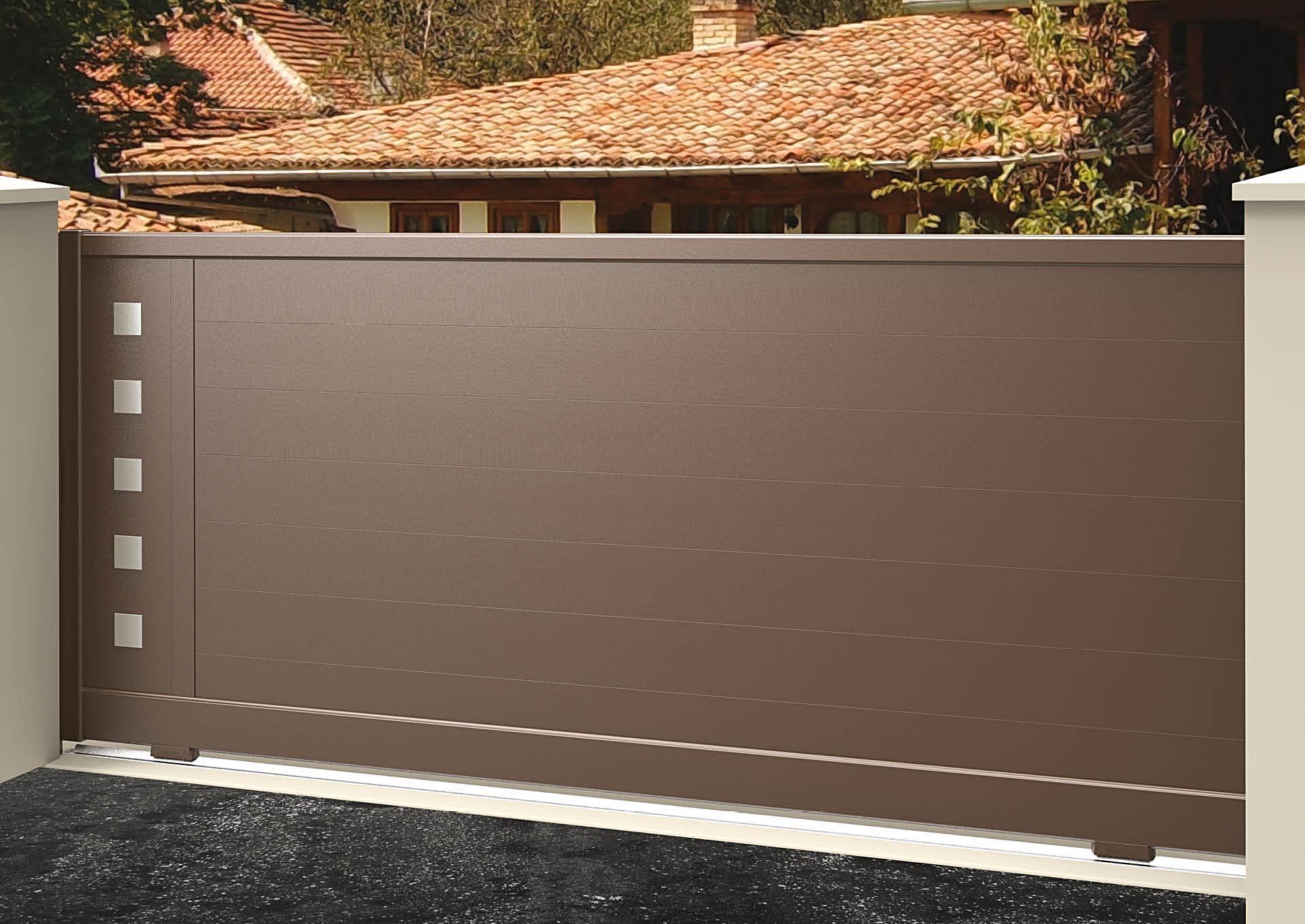 Portail coulissant 9110_C1_P2DA Lames horizontales 200mm + décor alu brossé Carrés pleins