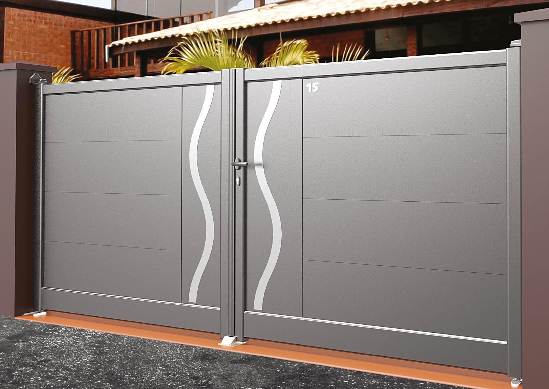 Portail battant en aluminium 9104_B_P3DA Lames horizontales 340mm + décor alu brossé Ondulation